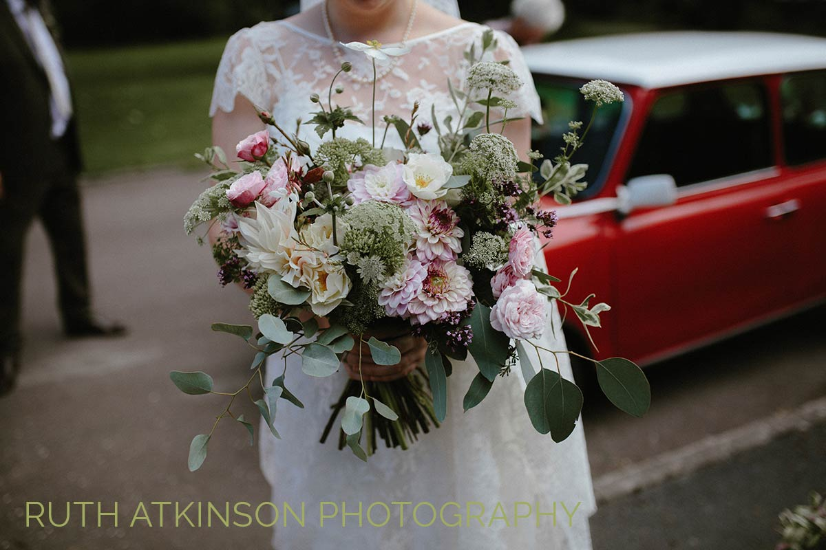 Babylon flowers florist watlington oxfordshire alternatively we can hand deliver flowers locally in our van within the oxfordshire buckinghamshire area we also offer a weeklybi weekly delivery either izmirmasajfo